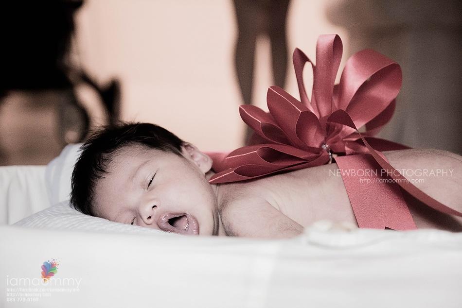 ถ่ายรูป newborn เด็ก ทารก แรกเกิด ถ่ายภาพ ช่างภาพ